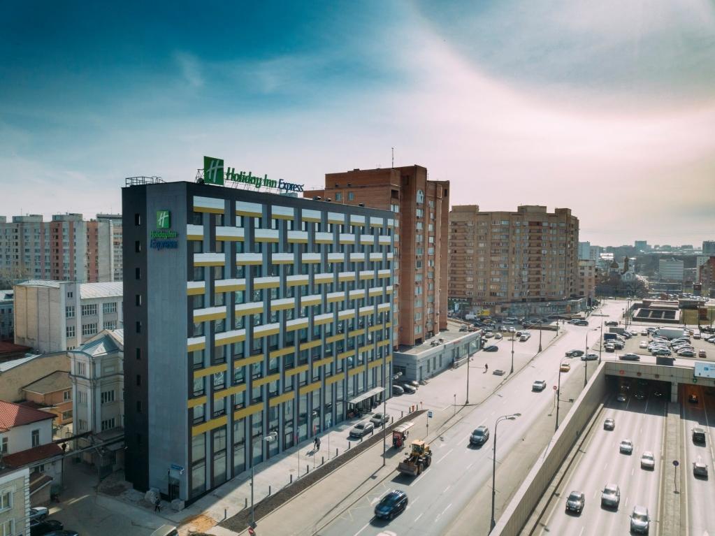 БЕЛТЕЛ построил инфраструктуру отеля